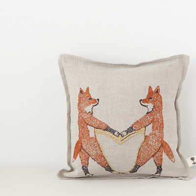 CORAL&TUSK TREASURE PILLOWS 18×18 ミニクッション (134 FOX LOVE )
