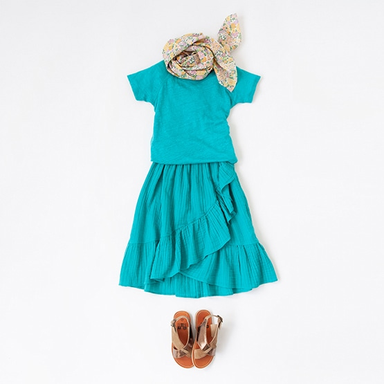 BONTON T-SHIRT, SKIRT, SCARF, SANDALS